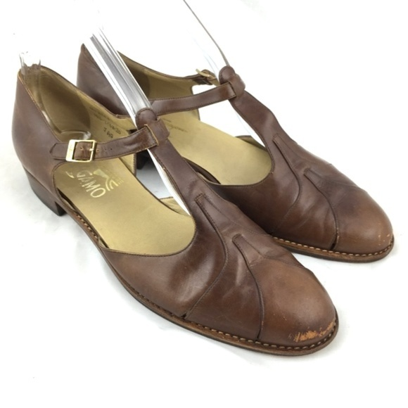 ff362ccf2d0c6 Vintage loafers brown leather t strap cut out heel